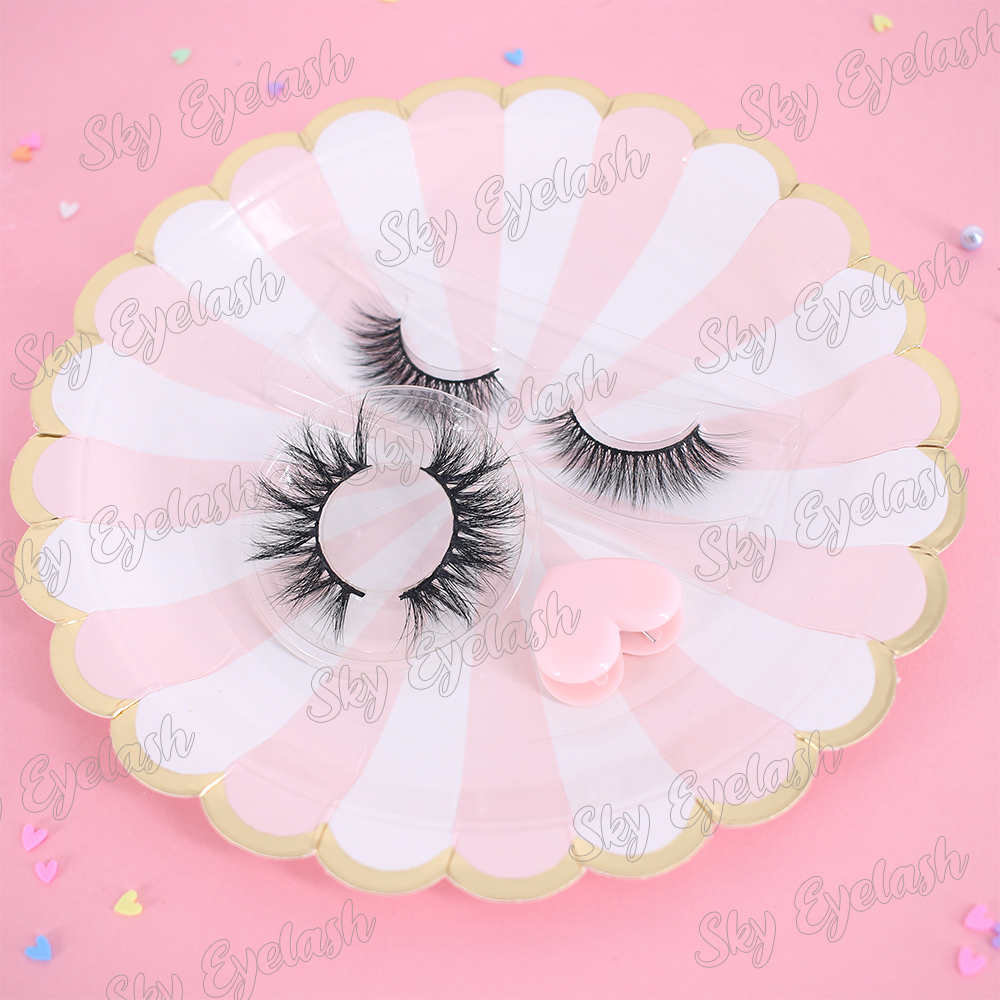 Eyelash-factory-wholesale-good-quality-mink-lashes-3D-to-US-with-lashes-samples.jpg