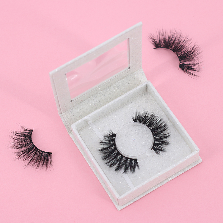 Eyelash-supplier-wholesale-hot-sell-3D-mink-lash-with-customized-own-logo-box.jpg
